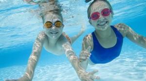 12520-molestias-de-los-oidos-en-piscina