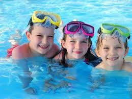 ¡Al agua patos! Consejos para pasar un buen día de piscina