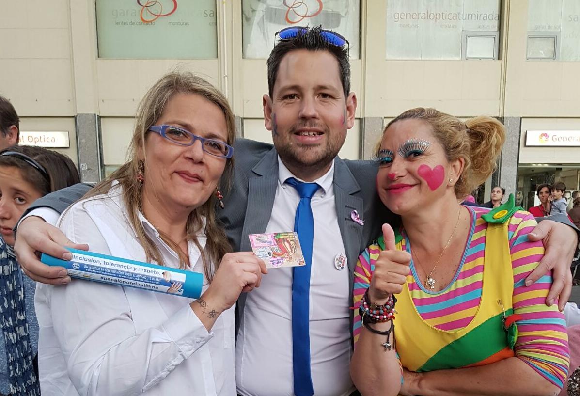 Fiesta benéfica con Asociación Autismo Sevilla