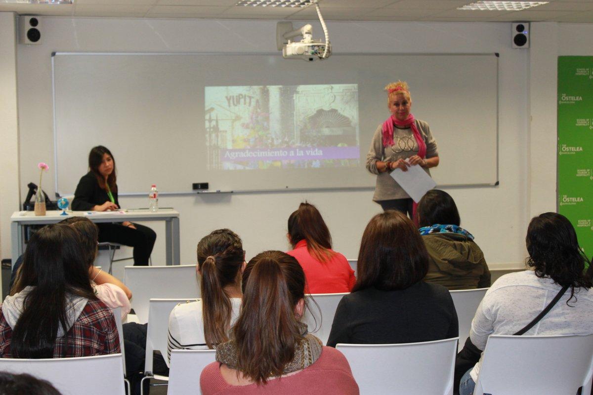 Conferencias de la artista Yupita